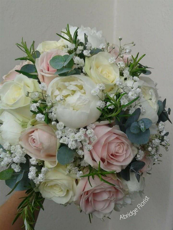 Wedding Flowers In Essex : Wedding florist essex flowers bouquets